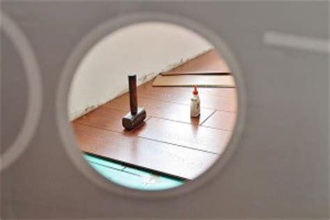 schimmel unter laminat heimwerker tipps