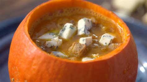 mytf1 recettes de cuisine laurent mariotte ma recette de soupe de potimarron à la fourme d 39 ambert