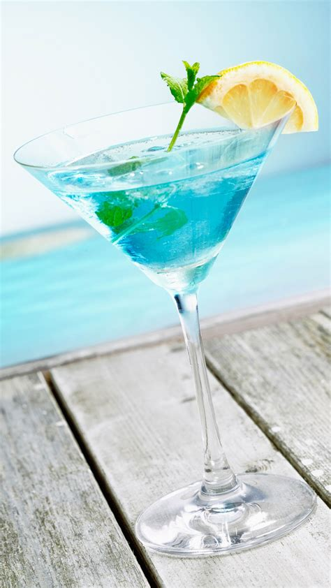 mint cocktail blue pool android wallpaper