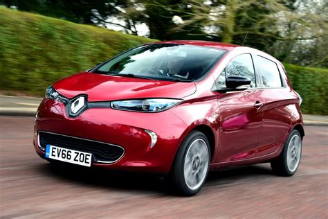 renault zoe 2019 renault zoe best electric cars best electric cars to buy 2019 auto express
