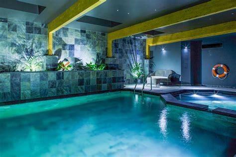 Indoor Pool : Indoor Swimming Pools