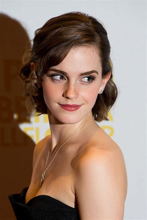 emma watson shoulder carpet premiere imgur emmawatson wallflower being pm posted