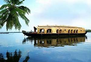 Cruising the Backwaters of Kerala in Floating Hotels ...