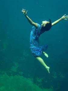 The gallery for --> People Underwater
