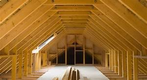amenagement combles pente toiture maison travaux With amenager son jardin en pente 15 comment amenager ses combles eclairage isolation