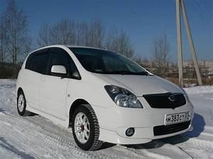 2001 Toyota Corolla Spacio Pictures