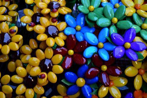 bomboniere a forma di fiore come confezionare confetti a forma di fiore donnad