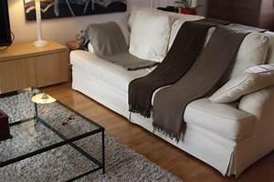 photo taupe deco photo decofr With tapis champ de fleurs avec plaid pour fauteuil et canapé