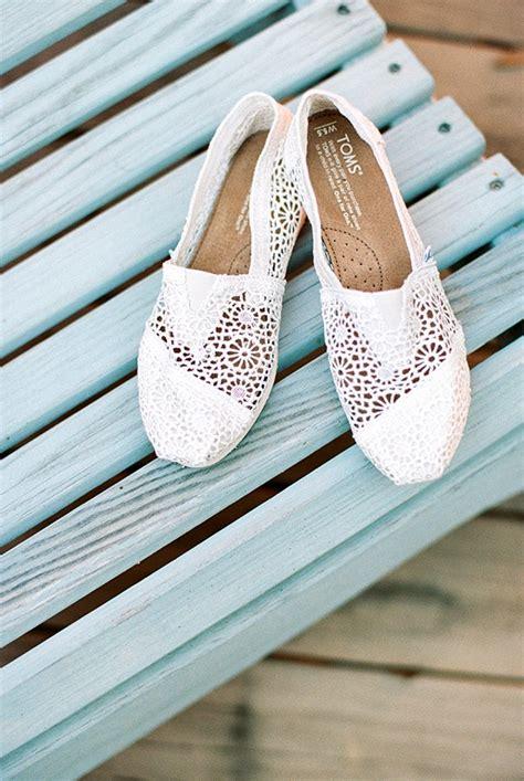 great beach bridal shoes ideas beach wedding tips