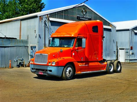 freightliner trucks for sale for sale semi truck freightliner 2002 pdx car sales