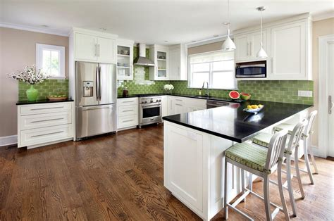 And yes, i'm labelling, but i come across the same gender divides again and again when it comes to decorating. by Clean Design golden oak cabinets New York Kitchen with ...