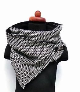 Schal Selber Nähen : schals schal wickelschal webstoff schwarz wei karabiner ein designerst ck von pepanella ~ Orissabook.com Haus und Dekorationen