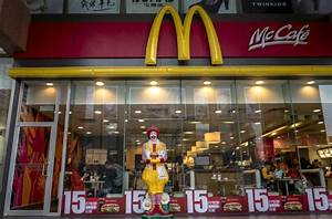 Is McDonald's open on New Year's Eve 2016?