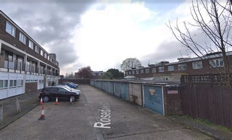 greenwich council  sell clinic  land  crossrail