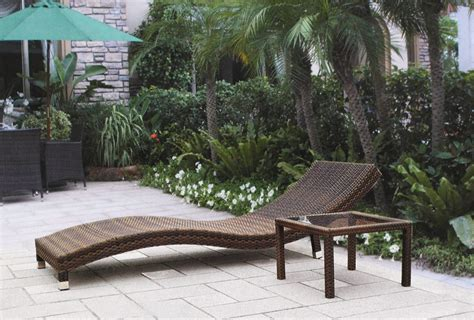 s shape rattan outdoor chaise lounge with sgs