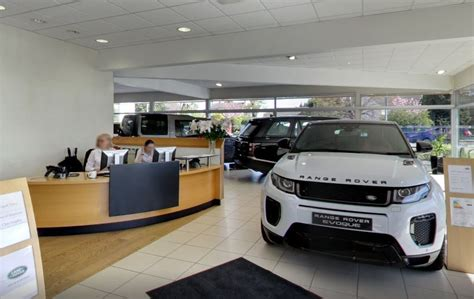 Guy Salmon Land Rover Stratford Upon Avon