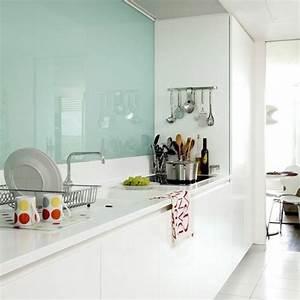 Kuchenruckwand aus glas der moderne fliesenspiegel sieht for Glasfliesen küche