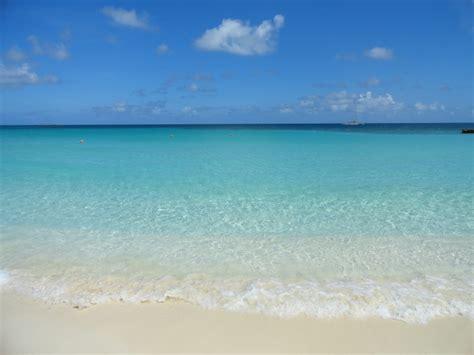 beaches  nassau paradise island beaches