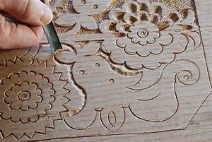 carving detail static blog page Peter Follansbee, joiner