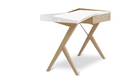 pied de bureau bois bureau design geometry plateau laqué blanc et pieds bois