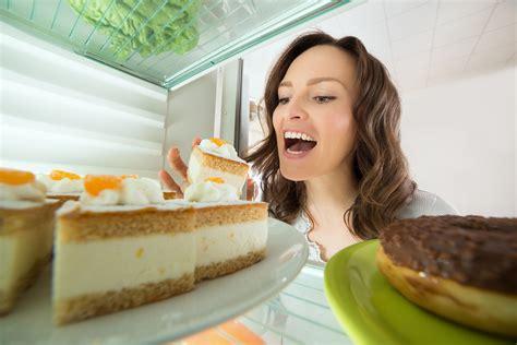 freezing cake   decorating easier   cake