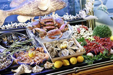Les Grands Buffets  Guide Tourisme à Narbonne Languedoc