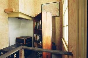 Inside Anne Frank's House - Kirst Over The World