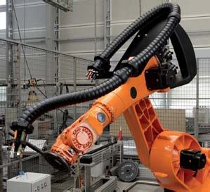Rotating Wire Harnes by Robotic Cable Management The Less Is More Approach