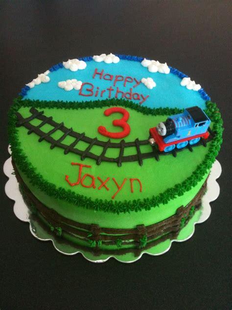 thomas  train cakecentralcom