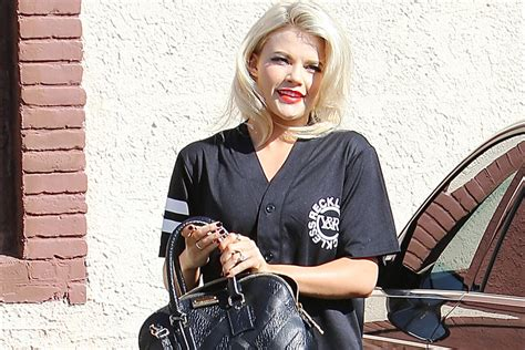 dancing   stars pro witney carson ties  knot