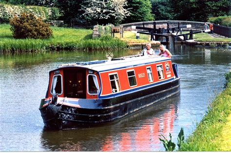 Canal Boat by Bosley Class 4 Berth Heritage Narrow Boats