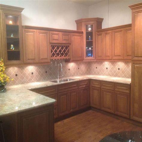 toffee maple kitchen cabinets toffee glazed maple solid wood cabinet quartz granite 6274