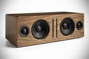 Bluetooth Box Selber Bauen : audioengine 39 s first bluetooth speaker looks classy packs 24 bit dac and extended wireless range ~ Watch28wear.com Haus und Dekorationen