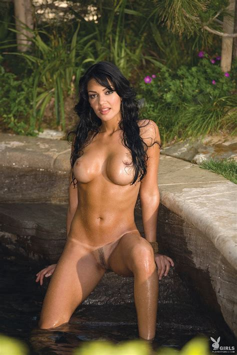 Nivia Nery Exotic Tanned Beauty With Nice Sexy Tan Lines Posing In Cold