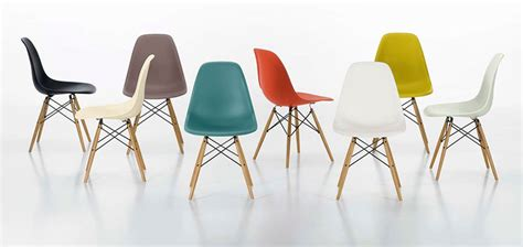 chaise de bureau eames design icons plastic chair by charles eames eric
