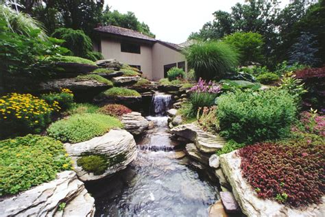 landscape design with water choosing a landscape water feature design