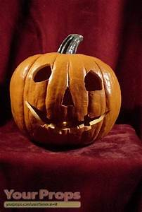 Halloween Halloween 1 replica pumpkin. replica movie prop