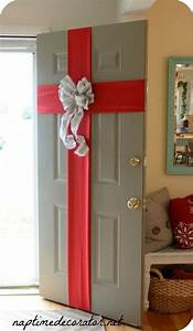 How To Decorate Your Door For Christmas - apartmanidolores.com