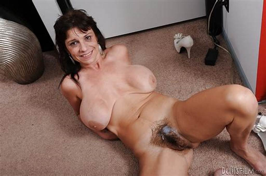 #Busty #Mature #Lady #Sage #Hughes #Gives #A #Blowjob #And #Gets #Fucked #Hardcore