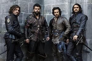 Santiago Cabrera's Musketeers best 2016 TV list