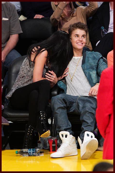 Shine Media Justin Bieber Selena Gomez Show Some