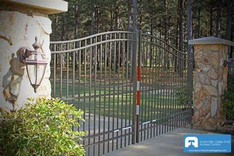 driveway gate lights lights in driveway gate driveway gate fieldstone driveway gate pinterest