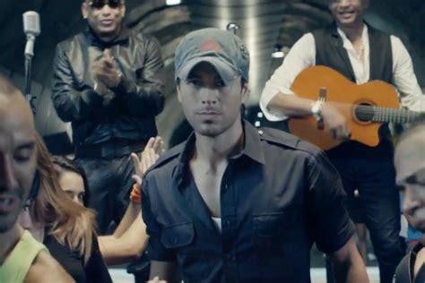 Enrique Iglesias  Bailando Ft Descemer Bueno & Gente De