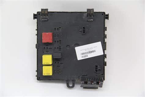 04 Saab 9 3 Fuse Box by Saab 9 3 Interior Rear Fuse Box 12805847 Oem 03 04 05 06