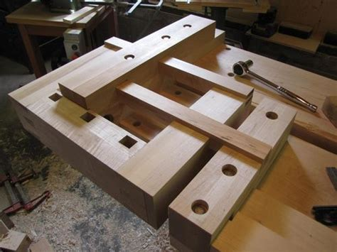 workbench  tail vise  complete  carterswhittling