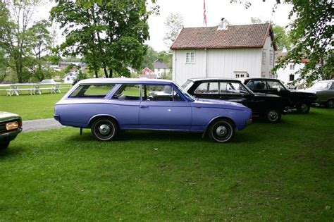 Chrysler300-71 1971 Opel Rekord Specs, Photos