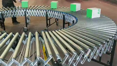 China Chain Drive Zinc Coated Steel Roller Conveyor