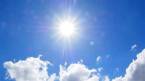le de bureau bleu saison estivale attention au soleil bien être au naturel