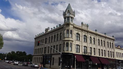 ghost hunters  check  oregons  haunted hotel