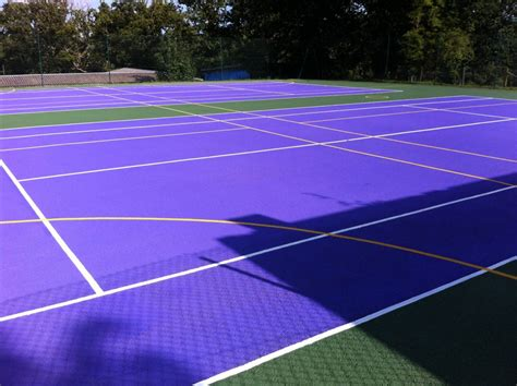 Backyard tennis courts are commonly constructed using clay, concrete or an acrylic material. Tennis Court Dimensions | UK Tennis Courts Size
